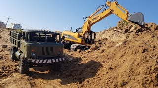 WE UNLOAD THE TRUCK BY EXCAVATOR ... Radio-controlled special equipment and trucks. RC Tamiya Truck