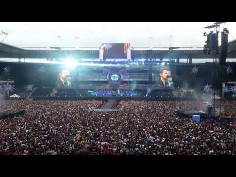 Muse - Supremacy Live in Bern 15-06-2013 (Opening Act)