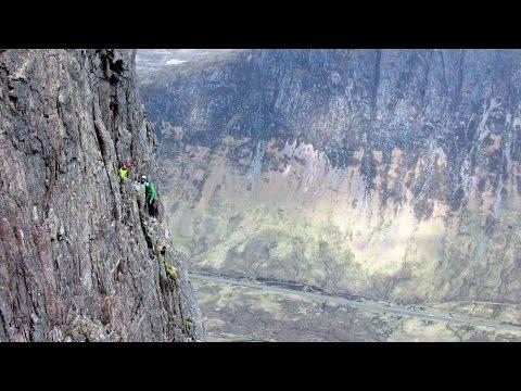Curved Ridge, John & The Raven  ~ 30th may 2015