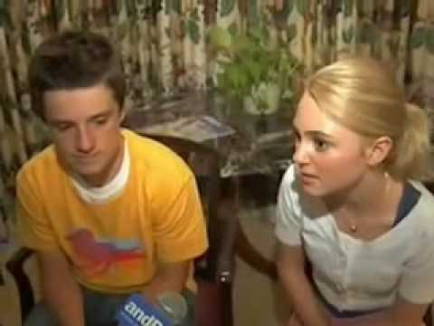 Interviews Bridge to Terabithia - AnnaSophia Robb & Josh ...