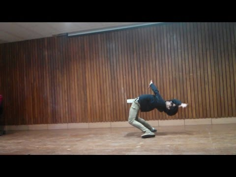 Amazing Matrix Move , Flexing And Cool Solo Dance Moves - At IIT Guwahati