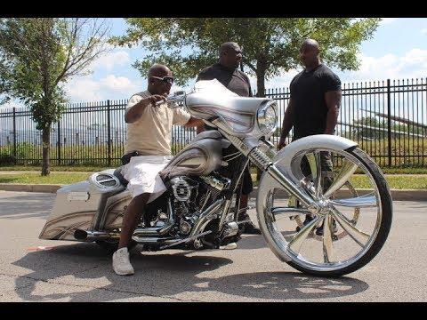 """Bagger Nation - Custom Big Wheel 30"""" Street Glide Bagger Harley Davidson, Chicago"""