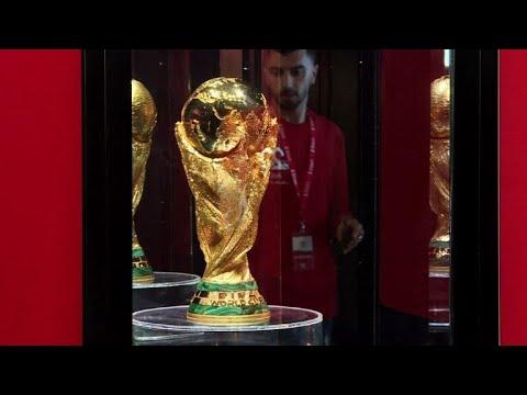 Coupe du monde le troph e attire des milliers de - Prochaine coupe du monde de football ...