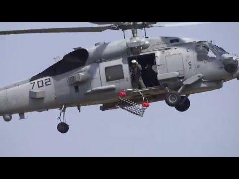 実戦に近いかな??アメリカ海軍ヘリコプター展示訓練