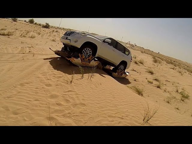 Track N Go on Toyota Land Cruiser in Sand (Dubai)
