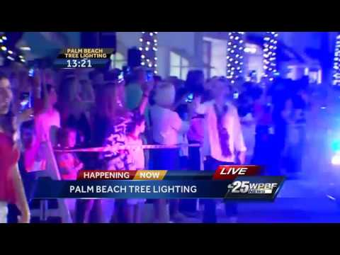 Palm Beach holiday tree lights Up