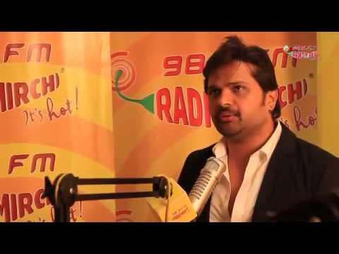 Himesh Reshammiya belts out his Son Of Sardaar hits at Radio Mirchi Studios!