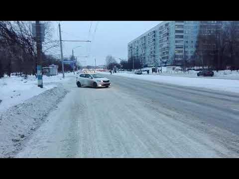 Воскресенье! Ульяновск Яндекс такси бастует! Настойчивые парни!