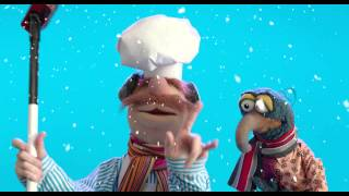 Muppets Most Wanted - Curling at the Winter Games