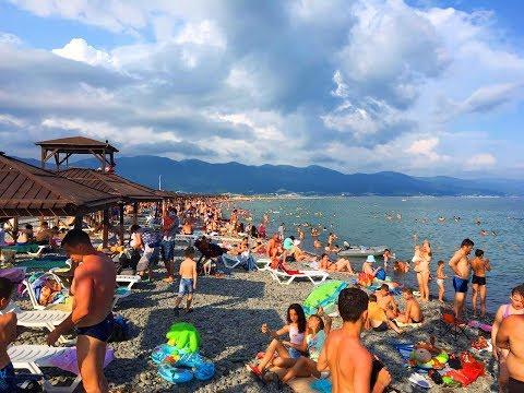 Новороссийск. Пляж Алексино. Людей больше чем в Геленджике, я в шоке!