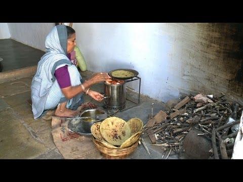 https://i.ytimg.com/vi/6sBK3CJRkNE/hqdefault.jpg Indian Woman Cooking