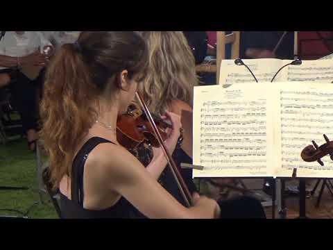 La música de l'Orquestra Catalana de Cambra va omplir de màgia Can Claramunt