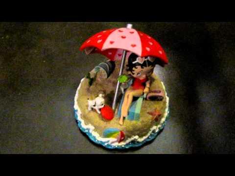 Betty Boop musical figurine