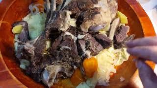 Блюдо из конины, которое традиционно едят пальцами