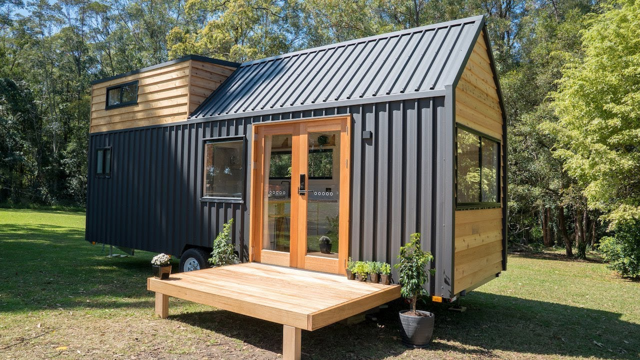 Tour This Australian Tech Tiny House Youtube