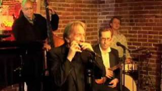 "Harmonica Virtuoso Plays ""The Minute Waltz"""