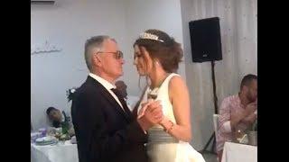 Mladenački ples Milojka i Milijane! Golupčići zaplesali uz emotivnu pesmu i poljupce!