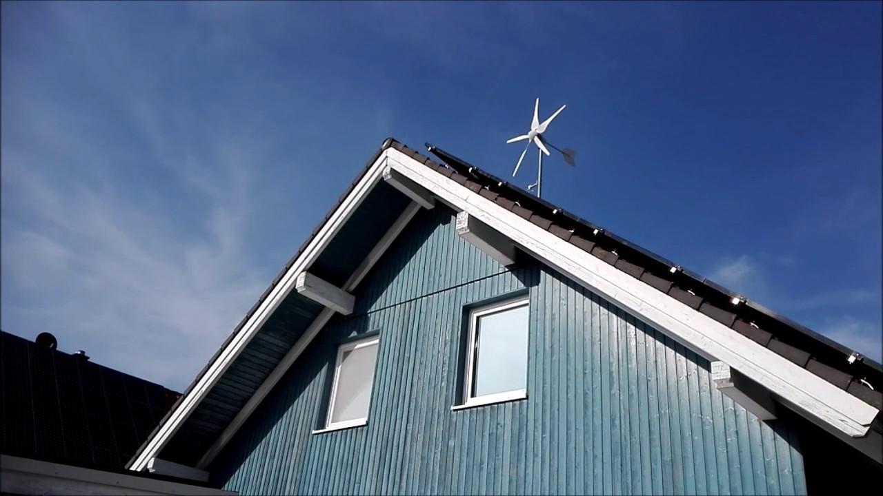 unser windrad 800watt auf dem dach bei leichtem wind youtube. Black Bedroom Furniture Sets. Home Design Ideas