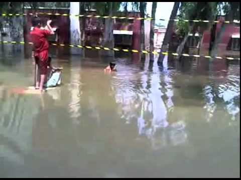 Pakistan Flood Disaster Relief - 5th Batch of Relief Goods Dharkhast Jamal Khan (2).mp4
