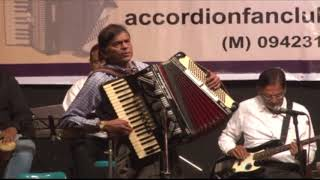 """Jeena Yaha Mar na Yaha""  Film - Mera Naam Joker (1970) - Piano Accordion - Trio."