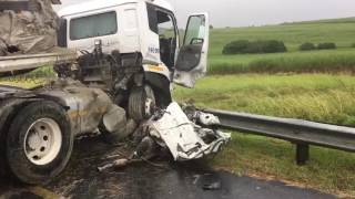 Truck drives over car N2 Zinkwazi