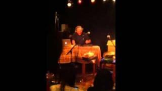 2011年4月26日。池袋・鈴ん小屋で開かれた公開『i-morley』。踊って語っ...