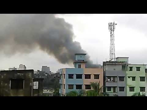 100 shanties gutted in Badda fire!! Part-1