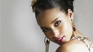 Alicia Keys Hot And Sexy Widescreen Wallpapers, Pictures and Slide Show!