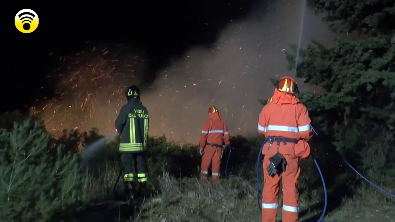 Provincia di Genova e Ponente Ligure ancora in fiamme: video #1