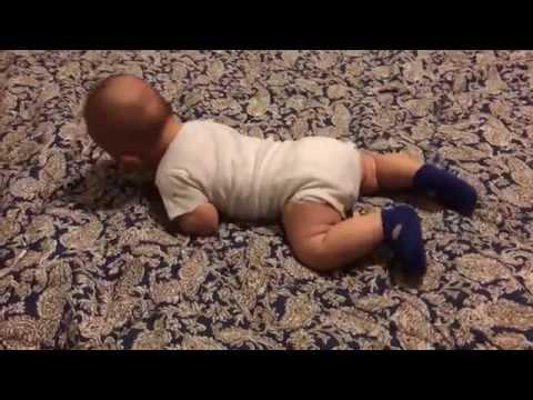 Ребенок разговаривает и переворачивается в 3 месяца! Дилан