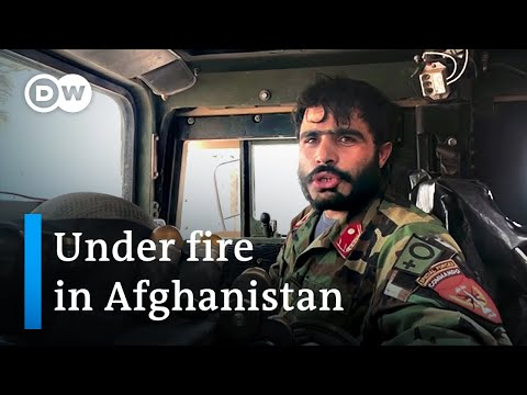 Afghanistan special forces fight Taliban as thousands flee | DW News