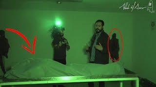Camarógrafo se desmaya en la morgue!!