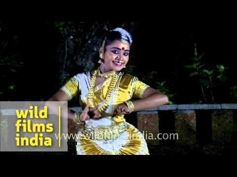 Mohiniyattam - Dance of the God's Own Country, Kerala
