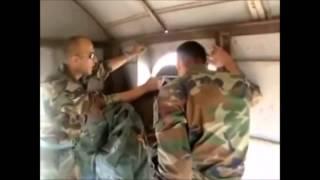 Mix - Gaza gelen asker paraşütle bakın nasıl atladı!
