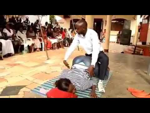 Download MUST WATCH; FAKE PASTOR TRYING TO HAVE SEX IN PUBLIC CHURCH