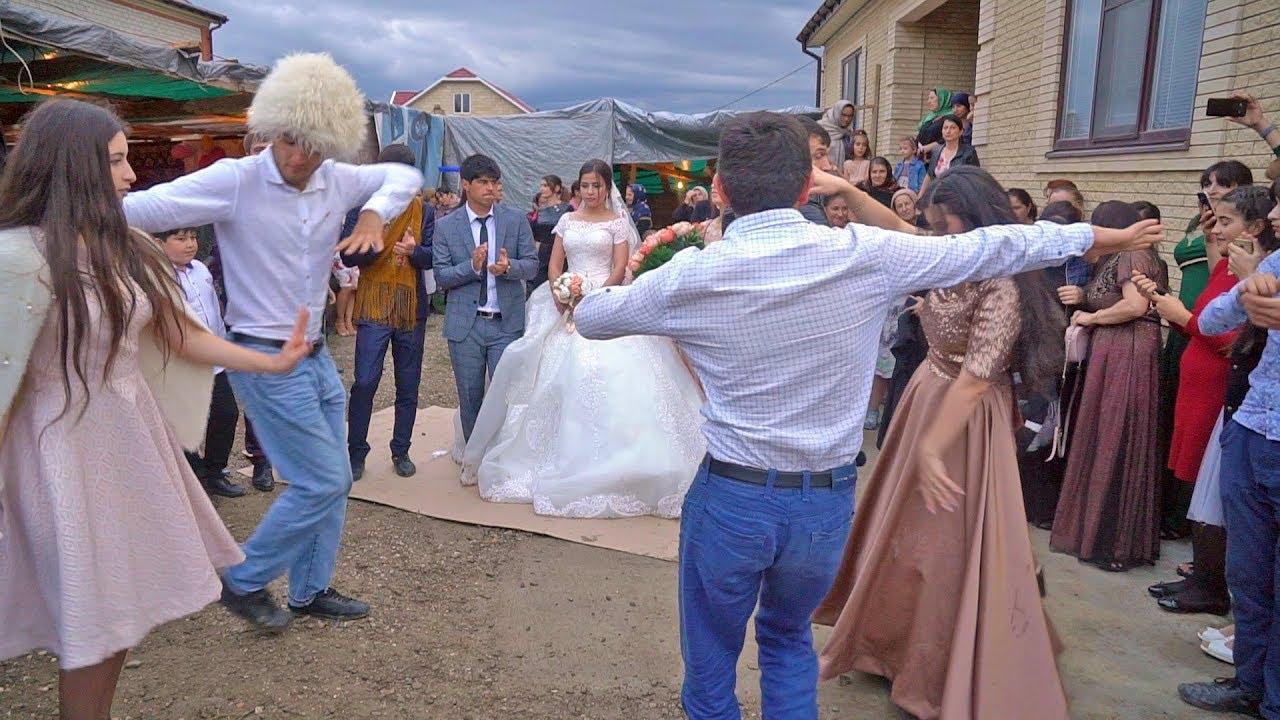 Още една интересна селска сватба от село Муги!