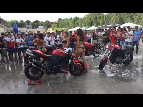 Sexy girls motorbike wash Ducati Streetfighter Racalmuto