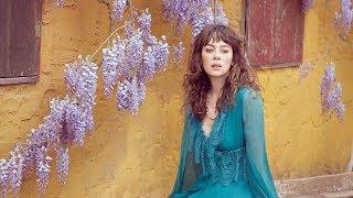 Demet Evgar: Mavi Huydur Bende | Vogue Türkiye