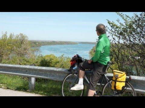 Cycling The Niagara Parkway