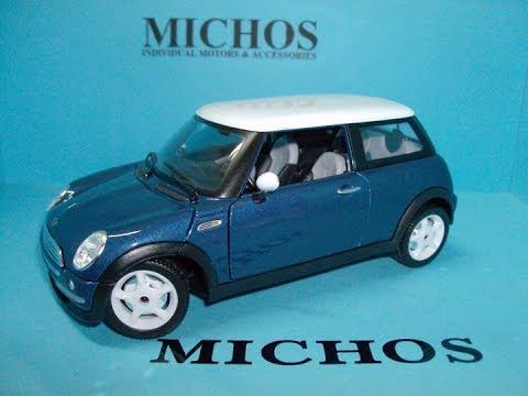 1 24 Mini Cooper Blue White Bburago 22055 Cast Model