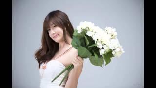 Choi Seul Gi White dress