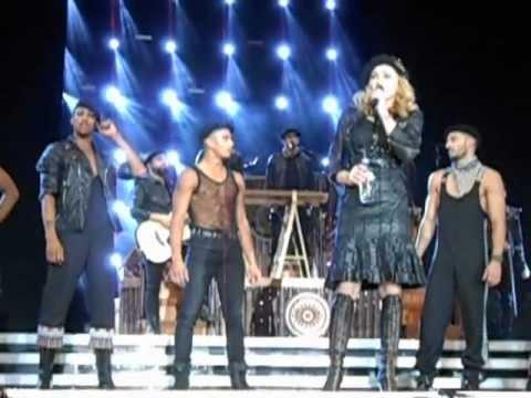 Madonna Criticando A un fan, y Regañando a otro Mexico 24-11-12  (Golden Triangle Experience)