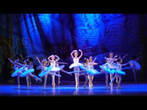 """Детский балет """"Щелкунчик"""". Снежинки"""