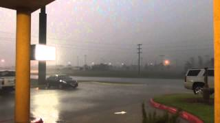 Lightning & strong wind rain am in Witchita falls Texas USA  9May15  106p gmt