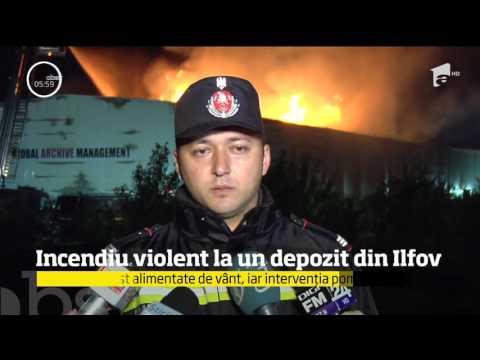 Incendiu violent la un depozit din Ilfov. Pagubele sunt foarte mari