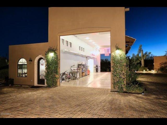 Great N Scottsdale RV Garage Home - House portion
