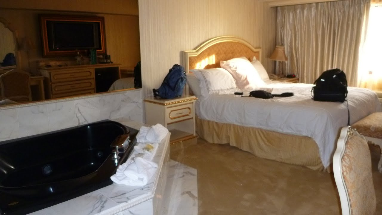 Wendover Nv Peppermill Hotel And Room 4592 Tour Mini Suite With Jacuzzi Tub You