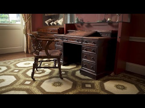 Take a closer look at Charles Dickens's writing desk