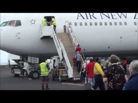Air NZ B767 Landing at Apia, Samoa, 2014