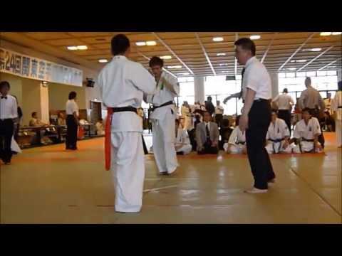 士道館 第24回関東空手道選手権 上級軽量級 3位決定戦 - YouTube
